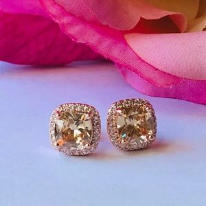 ONE LEFT❗️18K Gold Plated Champagne Studs